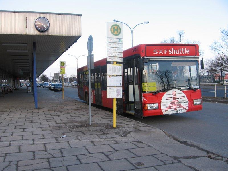 shuttle bus am bhf sch nefeld 2006 nahverkehr. Black Bedroom Furniture Sets. Home Design Ideas