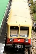S-Bahn/8050/br-485-im-s-bhf-hermannstrase-2005 BR 485 im S-Bhf Hermannstrase, 2005