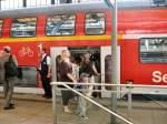 S-Bahn ERSATZVERKEHR/27637/mehr-geht-nicht-mehr-ueberfuellter-doppelstockzug Mehr geht nicht mehr, überfüllter Doppelstockzug als S-bahnersatz auf der Stadtbahn, Alexanderplatz Juli 2009