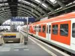S-Bahn ERSATZVERKEHR/34973/s-bahnzuege-aus-muenchen-und-stuttgart-auf S-bahnzüge aus München und Stuttgart auf der Stadtbahn Berlin, hier im Ostbahnhof bereit zur Fahrt nach Potsdam, Oktober 2009