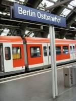 S-Bahn ERSATZVERKEHR/36204/berlin-ostbahnhof-im-oktober-2009-mit Berlin Ostbahnhof im Oktober 2009 mit S-bahnzügen aus München und Stuttgart