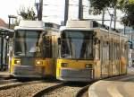 Strasenbahn/6560/zwei-niederflurwagen-der-linie-m10-- Zwei Niederflurwagen der Linie M10 - 2006