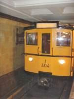U-Bahn/32203/wagen-404-im-u-bhf-fehrbelliner-platz Wagen 404 im U-Bhf Fehrbelliner Platz, Berlin 13.9.2009