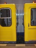 U-Bahn/37055/kopfenden-zwei-kleinprofilzuege-typ-g-berlin Kopfenden zwei Kleinprofilzüge Typ G, Berlin Oktober 2009