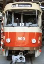 Strassenbahn/32436/tatra-zug-gekennzeichnet-als-linie-15-im Tatra-Zug, gekennzeichnet als Linie 15 im Depot, 19.9.2009