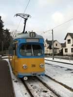thuringerwaldbahn/87666/tw-396-in-tabarz-februar-2006 Tw 396 in Tabarz, Februar 2006