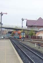 strassenbahn/100991/combino-duo-im-dieselbetrieb-erreicht-gerade Combino Duo im Dieselbetrieb erreicht gerade Nordhausen Nord und fährt ab Bahnhofsplatz als Strassenbahn weiter